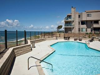 Come Put Your Toes In The Sand! 2 BR, Top Floor, Oceanfront SURFSONG 68