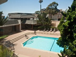 Located in the Del Mar Beach Club, Overlooking Pool 2 BR