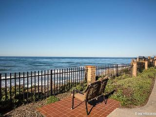 TOP FLOOR - Amazing Ocean Views, 1 BR Oceanfront Condo DMST 30