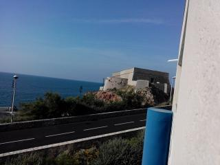 Agreable T2 avec superbe vue mer, proche port et centre ville