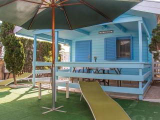 Estudio de madera 1 habitacion con parking, piscina y jacuzzi en zonas comunes