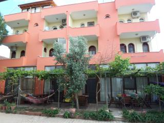 izmir seferihisar urkmez- Apart1 with garden close