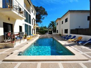 Modern 3 bedroom Apartment with pool, Port de Pollenca