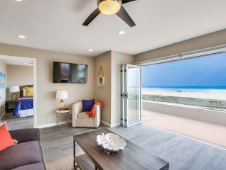Stunning *50' OCEAN FRONT* Ground Level Home!, San Diego