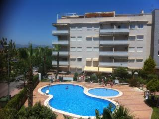 Beach, sun and swimming pool...perfect vacation!, Canet de Berenguer