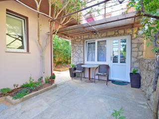 Apartments Ivan - 67541-S1, Baska