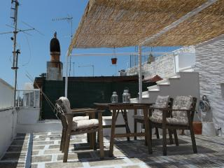 Ostuni 18C stone house with rooftop terrace. Stay here and feel like a local.