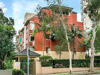 GER29 - Lovely 1 Bedroom Apartment in leafy suburb