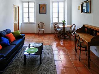 2-bedroom flat in medieval centre, Vaison-la-Romaine