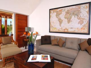 Luxury 3BR Las Palmas Villa – Golf & Ocean Views