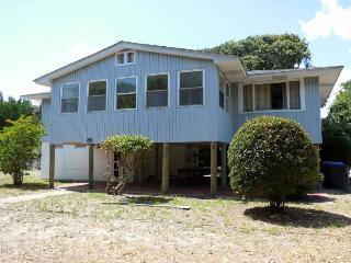 The Loafer - Folly Beach, SC - 3 Beds BATHS: 1 Full 1 Half