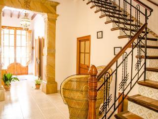 Es Carrero ☼ Típica casa de pueblo, WiFi y terraza, Santa Margalida