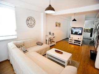 Newly decorated apartment for 4+2 people, Petrcane