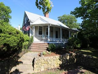 Charming In-Town Home with Central Air Conditioning - Car Not Required, Vineyard Haven