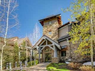 Fabulous 3BR Platinum Rated Ski In/Ski Out Bear Paw Condo in Exclusive Bachelor Gulch with Ritz Carlton Access, Beaver Creek