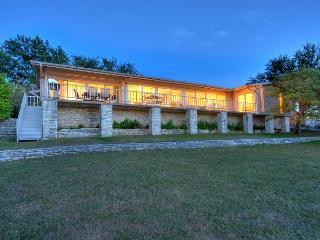 5BR/3.5BA Lake House with Water Views and Huge Deck, Sleeps 10