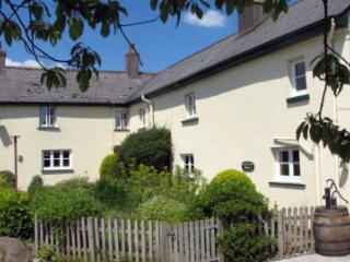 GLEBE COTTAGE two-bedroomed converted farmhouse