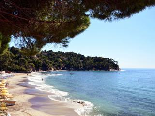 Stylish luxury villa amazing seaview 300 mtrs stroll to beach