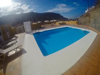 Holiday apartment with heated pool Playa de Mogan