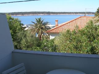 Apartment Kitty 3 for 6 with sea view, Rab Town
