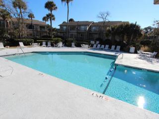 Newly Renovated w/Pool - 1.5 Blocks to Beach!