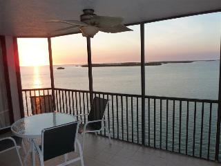 Bay View Tower #735 - Sanibel Harbour Resort