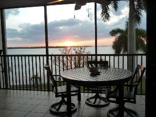 Bay View Tower #237 - Sanibel Harbour Resort