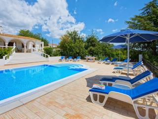 Quinta San Antonio is a superb villa with eco friendly low salt infinity pool