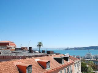 Cozy Apartment with a View 132, Lissabon
