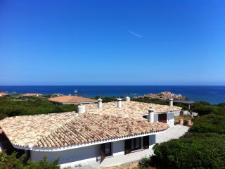 Villa Azzurra 50 mt dalla spiaggia, Aglientu
