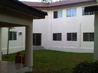 East Legon -Executive 6 Bedroom Furnished Mansion
