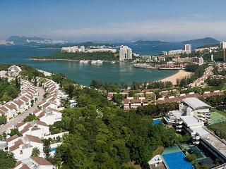 Cosy 1 bedroom flat with sea view towards Disney, Hongkong
