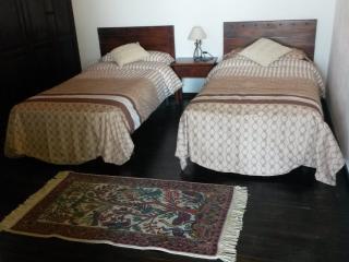 Habitación con dos camas de 90