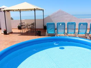 At 200 meters from fine sandy beach, free wifi, Torrox