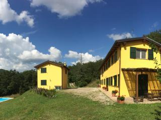 Hilltop Villa Hideaway with Pool sleeps 10, Near Bologna and Florence
