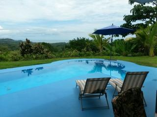 Casa Cereza, Ocean View with Pool, Ojochal