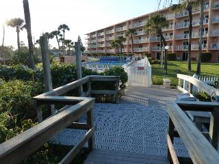 220 Young Ave #56 :: Cocoa Beach Vacation Rental
