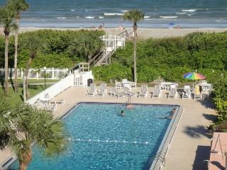 220 Young Ave #32 :: Cocoa Beach Vacation Rental