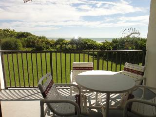 7400 Ridgewood Ave Unit #202 :: Cape Canaveral Vacation Rental