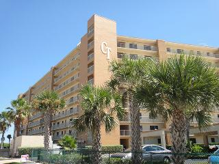 7520 Ridgewood Ave Unit #507 :: Cape Canaveral Vacation Rental