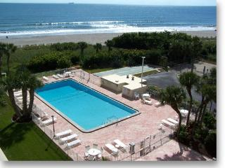 7520 Ridgewood Ave #606 :: Cape Canaveral Vacation Rental