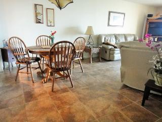 7520 Ridgewood Ave Unit #606 :: Cape Canaveral Vacation Rental