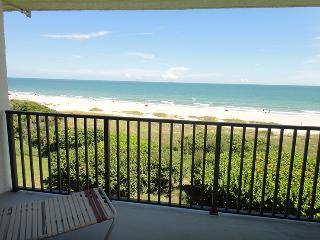 7520 Ridgewood Ave Unit #601 :: Cape Canaveral Vacation Rental