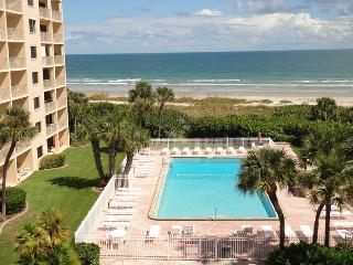 7520 Ridgewood Ave Unit #908 :: Cape Canaveral Vacation Rental