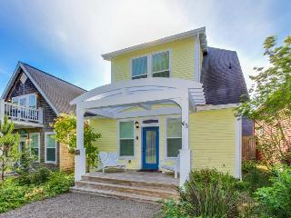 Soak in this home's private hot tub and stroll to easy beach access, Depoe Bay