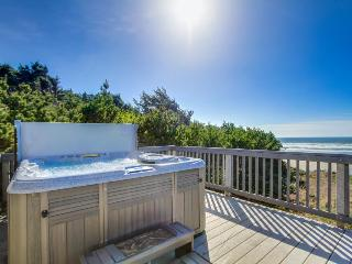 Comfy oceanfront home w/ private hot tub & easy beach access - dogs ok!