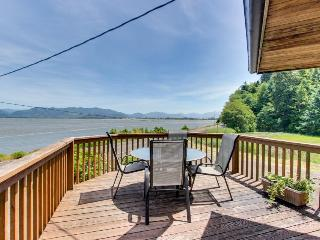 Relax across from the water - bay views & private hot tub!