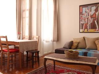 Pink House- Ideal for Big Groups, Estambul