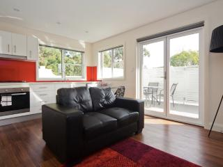 Sleek 1 bed executive apart GL53, Sydney