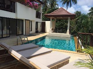 4/5 Bed Sea View pool Villa